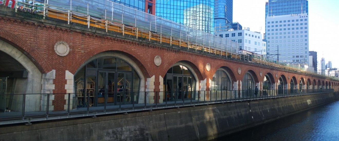 mAAch ecute ห้างเก๋แห่งใหม่ของโตเกียวที่หยิบเอาอดีตสถานีรถไฟ Manseibashi Station มาชุบคืนชีวิตใหม่ให้เป็นแหล่งไลฟ์สไตล์เก๋ๆ แถมยังติดโผ 100 ผลงานการออกแบบยอดเยี่ยมของ Good Design Award 2014 อีกด้วย