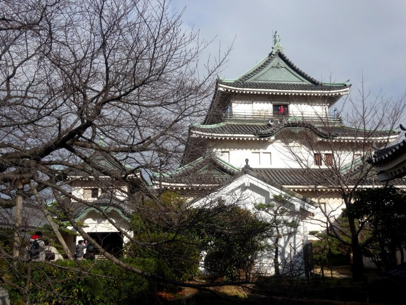 <p>The main keep of Wakayama Castle, as seen from the inner courtyard</p>