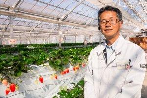 いちご団地生産組合、木村友和組合長。やさしい表情で「みなさんに楽しんでもらえる園にしたい」と語る。