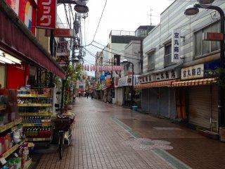 Shimafuri Гинза в дождливую погоду