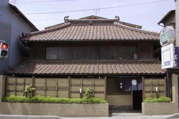 <p>旧玄関(県道側)</p>