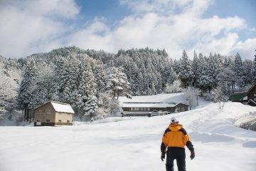 <p>Snow trekking gear</p>