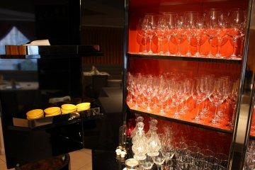 <p>Wine glasses</p>