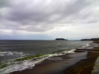태풍이 지나간 후 바다는 항상 거칠다