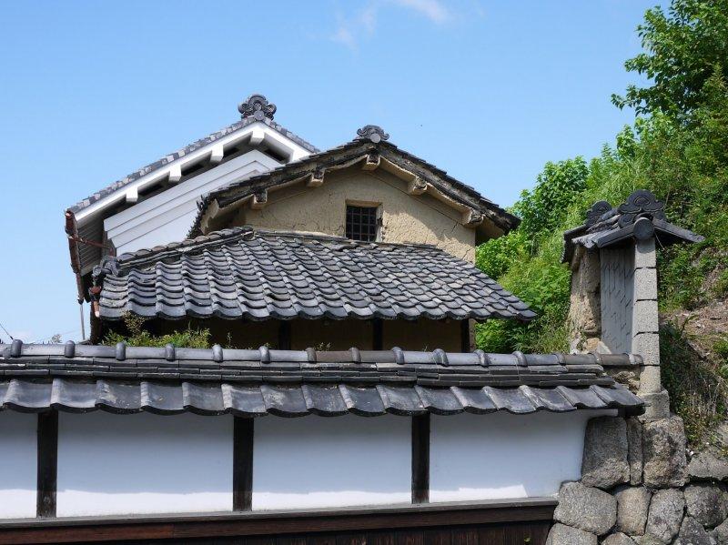 <p>По пути было множество красивых старинных зданий</p>