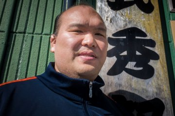 <p>Hidetoshi Kitazakura, the school&#39;s coach and popular 20 year sumo veteran.</p>