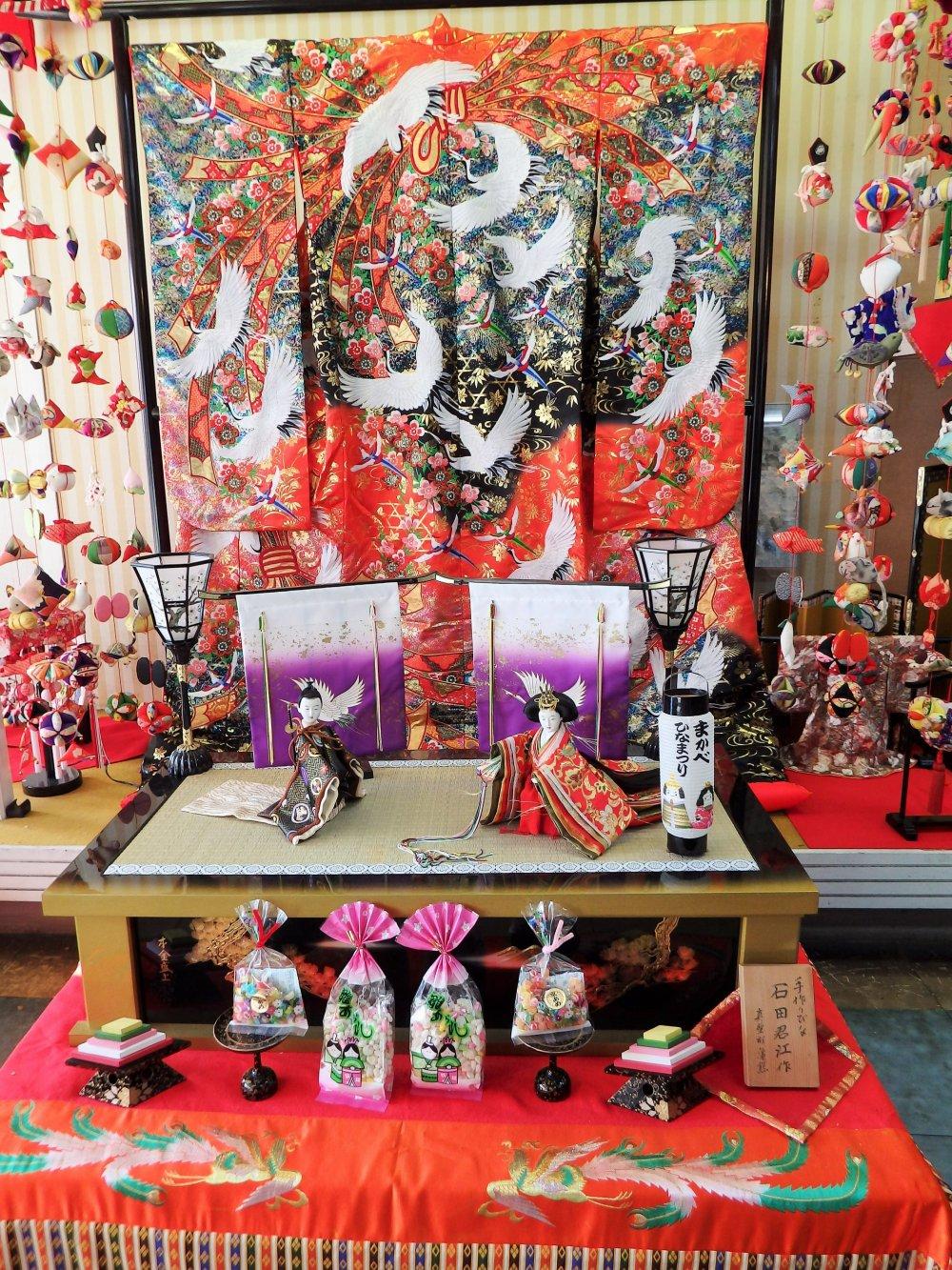 Những bộ kimono xinh đẹp điểm thêm phần khác lạ cho cặp búp bê truyền thống hina