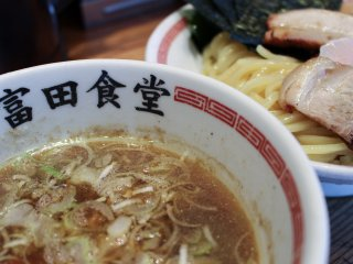 Tsukemen dipping broth and noodles