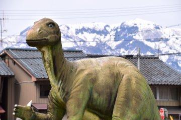 공룡왕국의 가쓰야마역