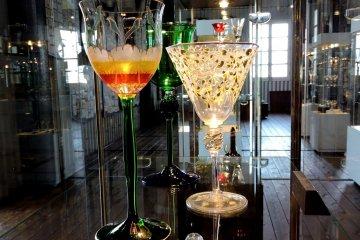 <p>Beautiful Art Deco antique wine glssses</p>