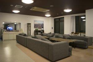 Oakhouse: Social Residence 里最自豪,也最多人共用的无非是1层的用餐/厨房/休闲室了