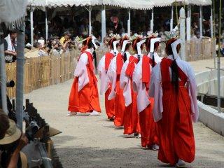 L'Otaue Rice Planting Festival est une bonne occasion pour admirer divers costumes traditionnels japonais