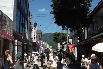 <p>Kyu-Karuizawa&#39;s&nbsp;main shopping street</p>