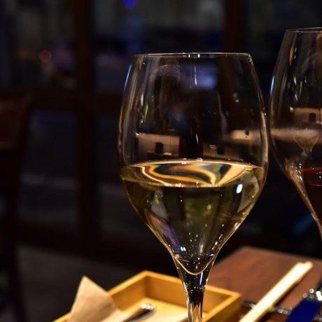 บาร์ไวน์ Hamamachi Pinoli