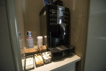 A very nice touch. A coffee machine available for use freely anytime from 6AM to 12AM. I grab one every morning, and one when I return every night.