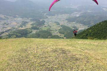 Paragliding with LapuLapu