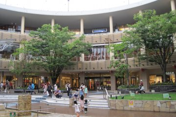 LaLaport Yokohama – a Shopper's Delight