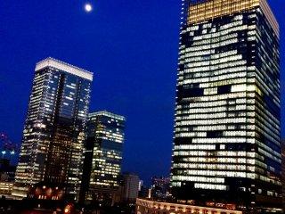 Ночной вид на станцию Токио