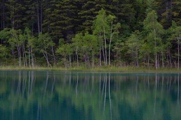 ทะเลสาบOnnetoในอุทยานแห่งชาติAkan