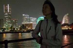 วิวในยามค่ำคืนที่สวยงามและโรแมนติกในโยโกฮาม่า