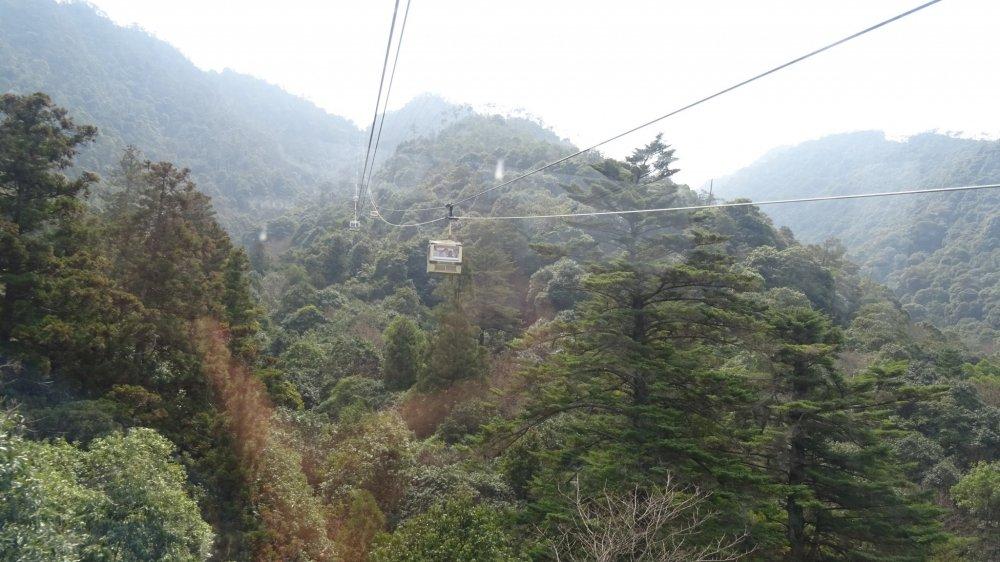 กระเช้าไฟฟ้าขึ้นเขามิเซ็น ในราคา ไปกลับ 1800 เยนต่อคน