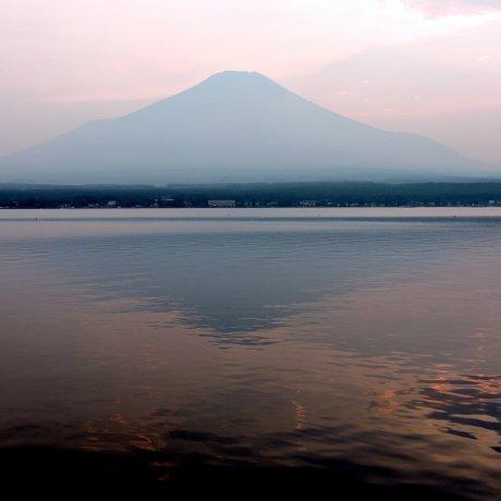 Fuji Sunset at Lake Yamanaka