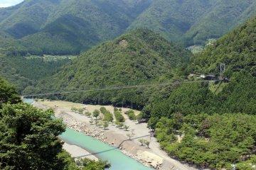 <p>The Tanize no Tsuribashi from the north</p>