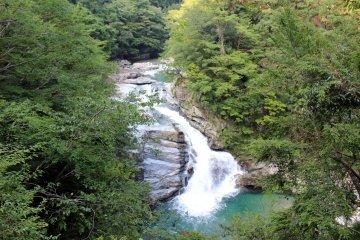 <p>The Odai no Taki Waterfall is just one piece of Totsukawa-mura&#39;s glorious scenery</p>