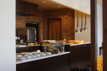 <p>A spot where you can get sushi, sashimi, and another Japanese food.</p>