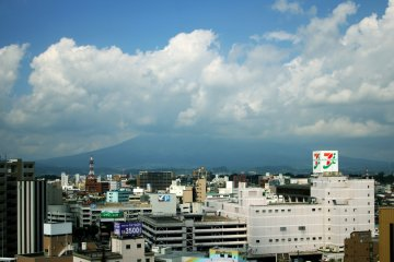 <p>The cityscape and Mount Iwaki from Sky Banquet</p>
