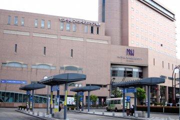 <p>The Hotel Naqua City Hirosaki from bus terminal</p>