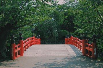 <p>Sugi no Ohasi Bridge at Hirosaki Castle Park</p>