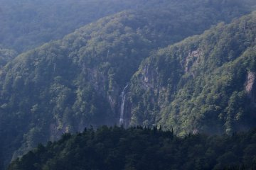 <p>The most visible waterfall from Daijakura</p>