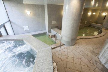 <p>Women&#39;s bath area</p>