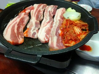 A set of Samgyeupsal for two could surely feed four people.