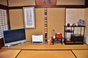 The guestroom in the Matsui House is the ozashiki, or reception room — the grandest in the house