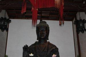 A closer look at the Buddha