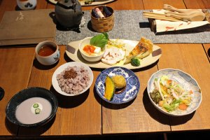 Kotodama Cafe's lunch spread
