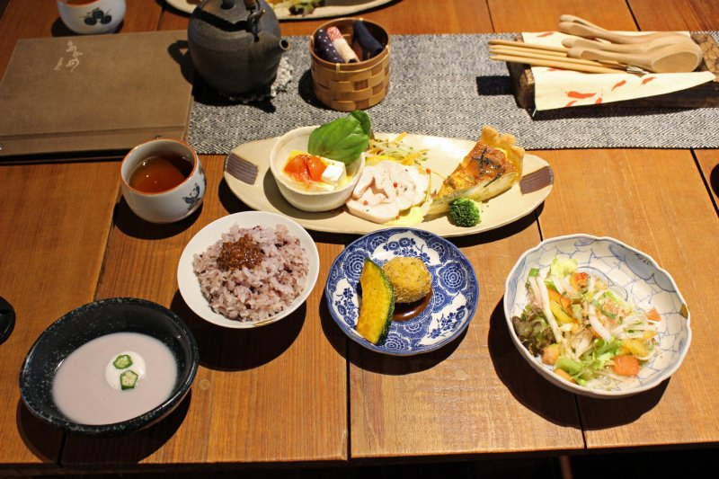 <p>Kotodama Cafe&#39;s lunch spread</p>