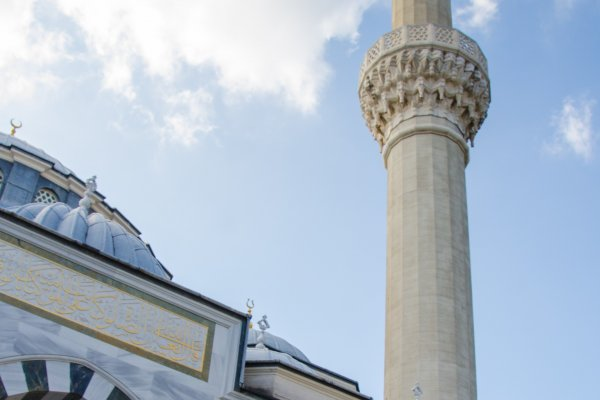 Menara Masjid, Menjulang dan Gagah