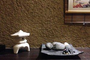 Quaint and tasteful decorations at this Tamatsukuri eatery, close to Osaka International Church