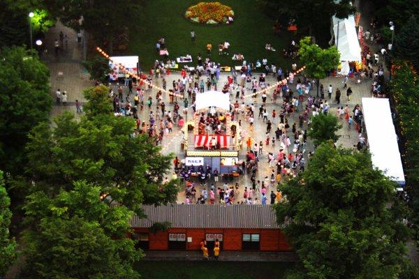 Festival Hokkai Bon Odori yang tiap tahun diadakan di Taman Odori
