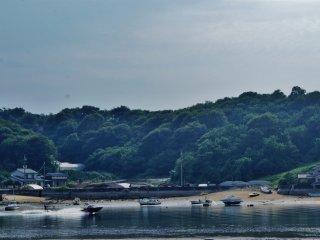 Il est possible de faire du ski nautique à Mukaishima