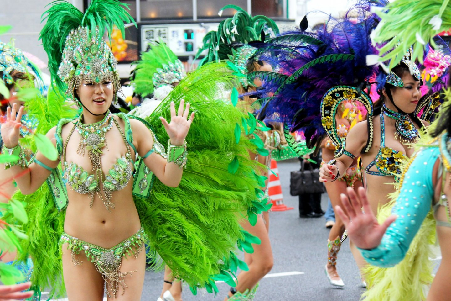 There were many gorgeous dancers wearing very traditional samba outfits.