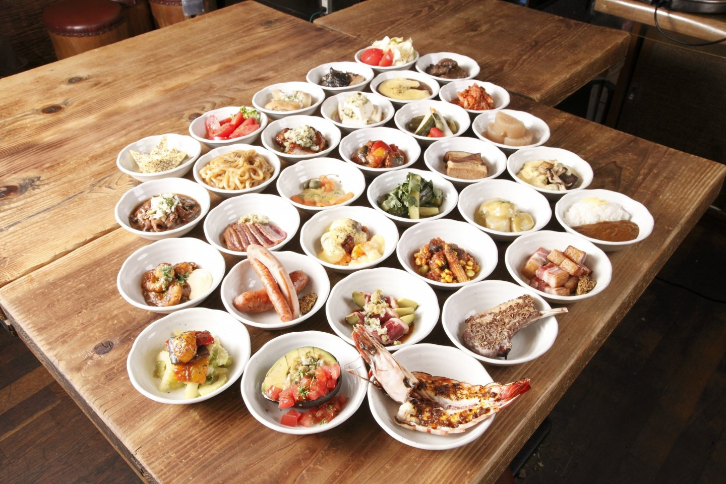 Spice tapas selection – izakaya style dishes for ¥500 each