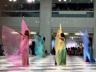 Восточный танец с крыльями Исиды