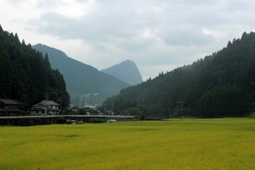 <p>Yoroi-dake Mountain from the 2nd aid station</p>