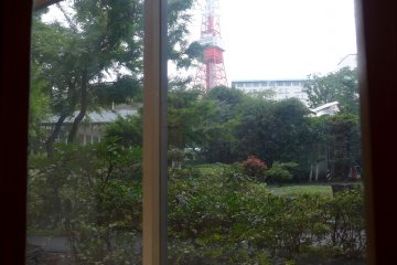 <p>You can even spot Tokyo Tower from the windows.</p>