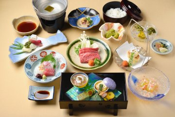 <p>The restaurant serves up a feast for dinner.</p>