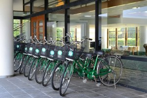 Many rental bicycles are available just outside the hotel lobby.